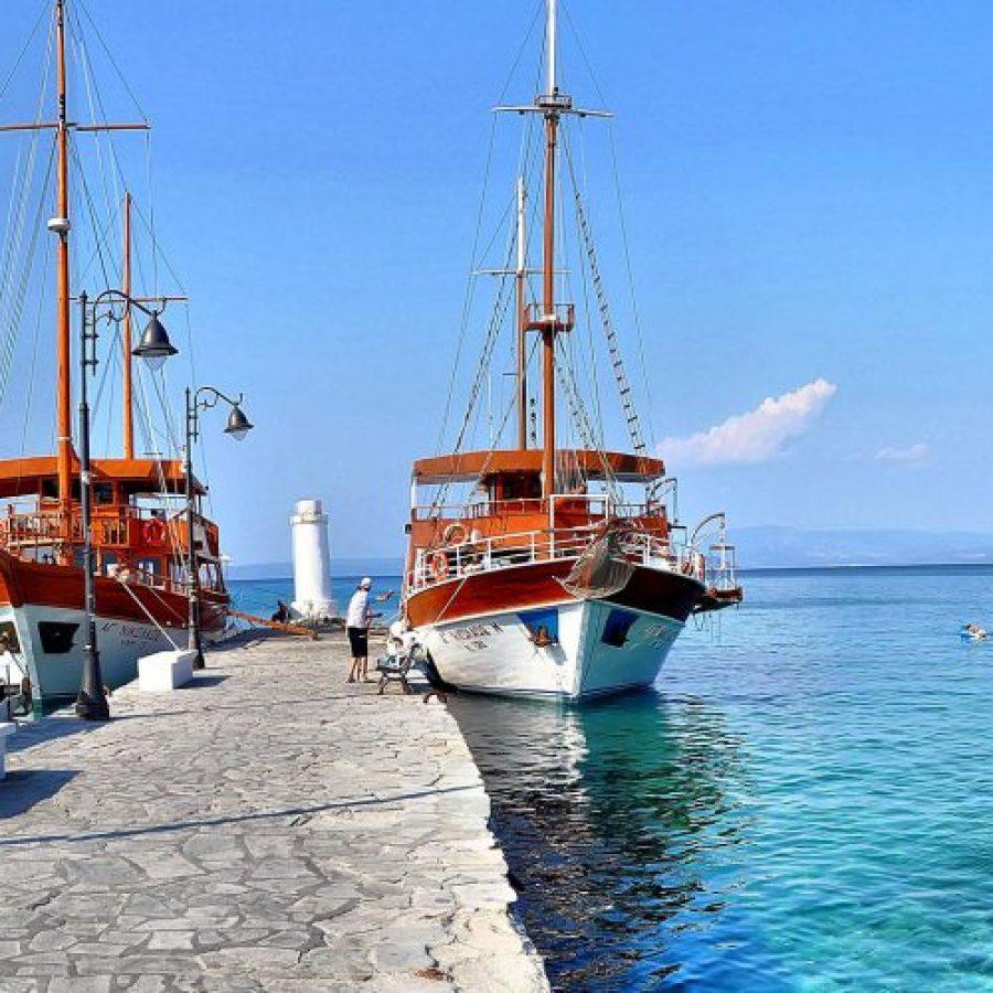 pefkochori-boats